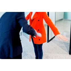 Accès aux approvisionnements de bord ou aux fournitures d'aéroport11.2.3.10.AB
